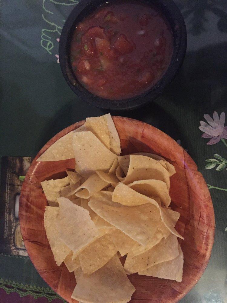 El Rio Mexican & American Food: 11 Kern River Dr, Kernville, CA