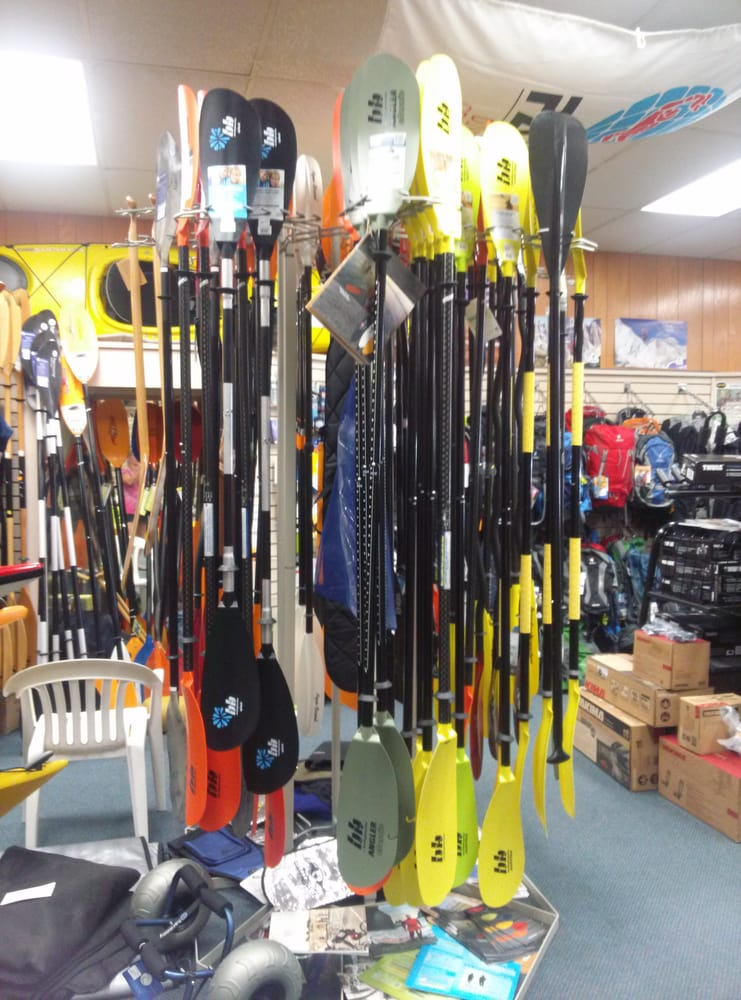 Divepoint Scuba Paddle & Adventure Center: 944 Main St, Stevens Point, WI