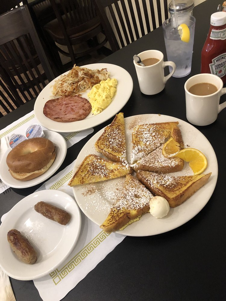 Grace's Cafe: 130 W Main St, Trappe, PA