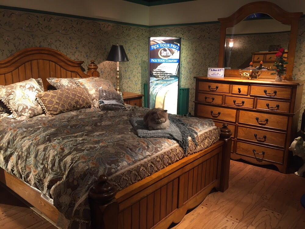 Gray's Furniture: 601 W Front St, Berwick, PA