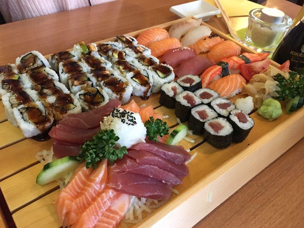 sushi bar mijori 35 reviews sushi moislinger allee 2 b l beck schleswig holstein. Black Bedroom Furniture Sets. Home Design Ideas