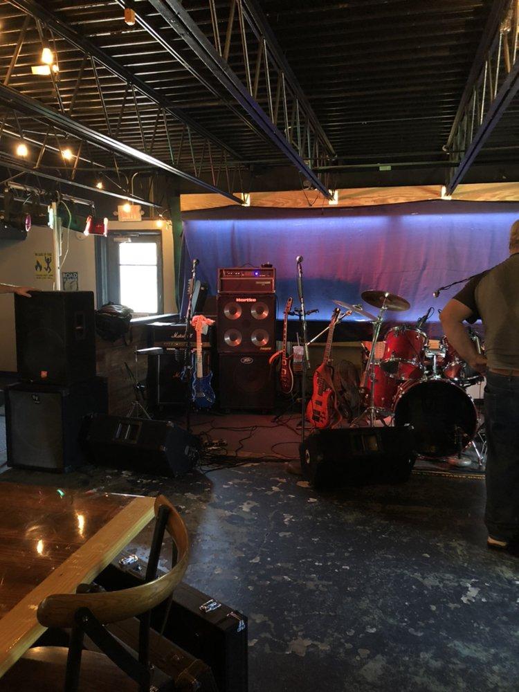 The 301 Pike Pub & Grub: 7501 Jefferson Davis Hwy, North Chesterfield, VA