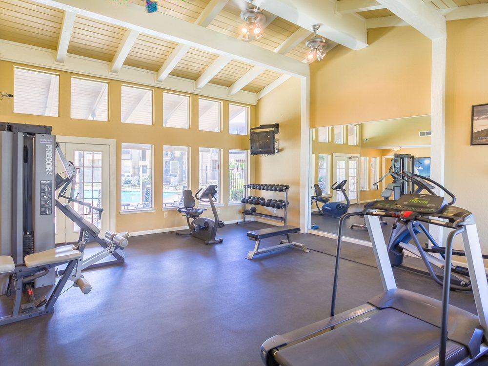 Warwick Apartments: 2400 Arrowhead Dr Ofc, Abilene, TX