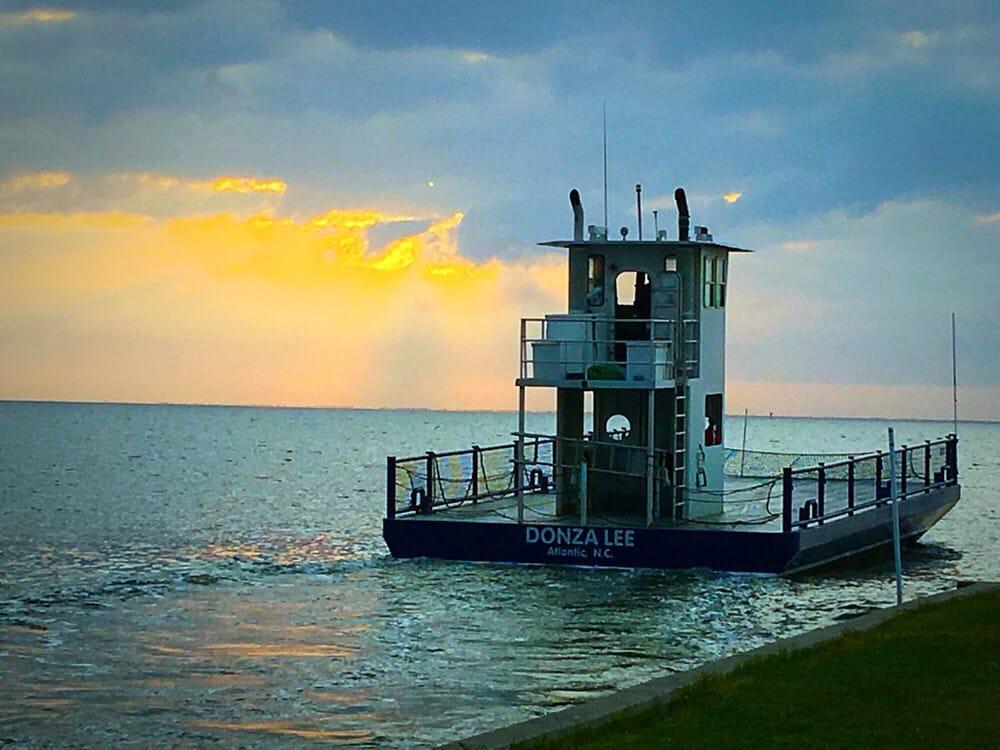 Morris Marina Kabin Kamps & Ferry Service: 1000 Morris Marina Rd, Atlantic, NC