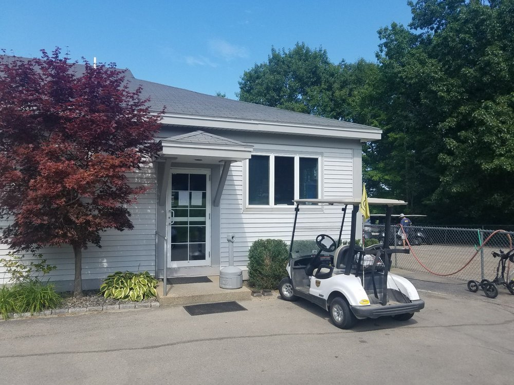 Windham Country Club Pro Shop: 1 Country Club Rd, Windham, NH