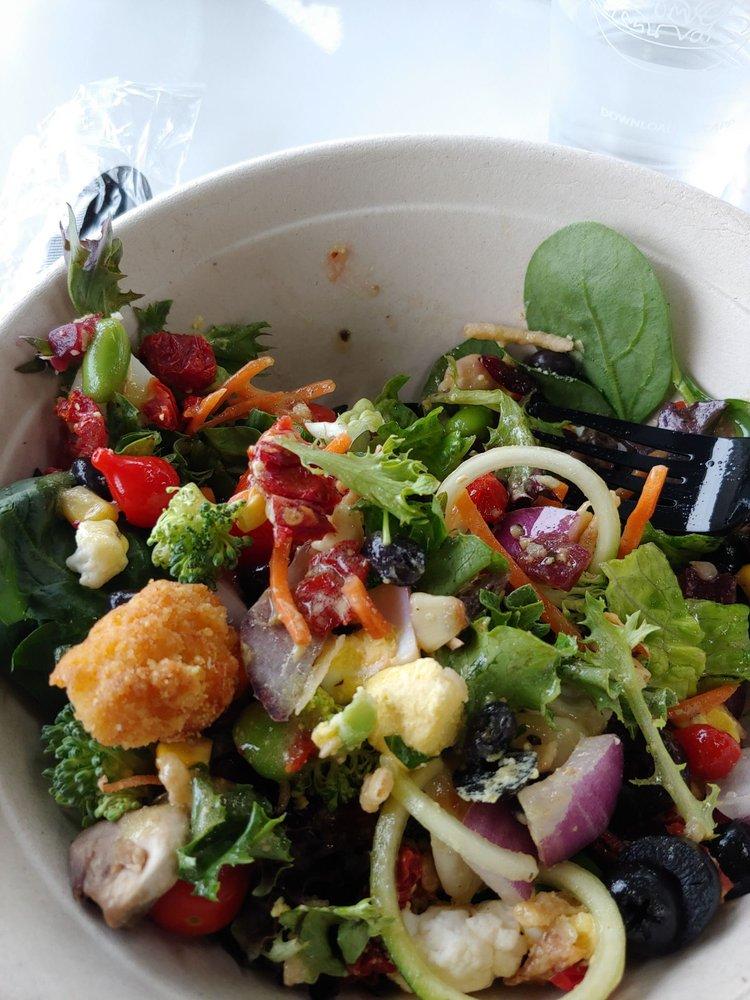 The Salad Station: 3220 Jackson St, Alexandria, LA