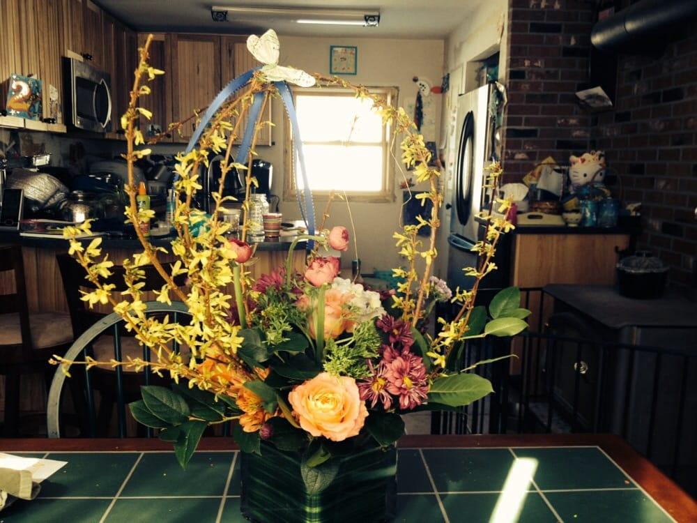 Bella Fleur: 182 Main St, Altamont, NY