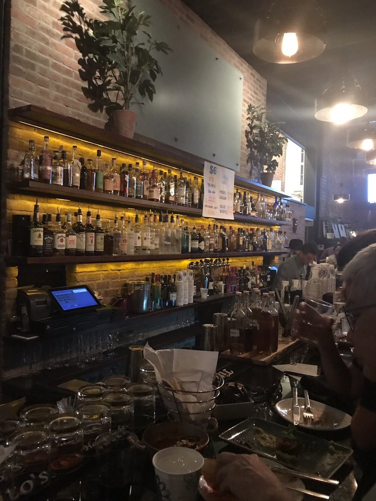Inside With Happy Hour Specials For The 17th Street High Heel Race