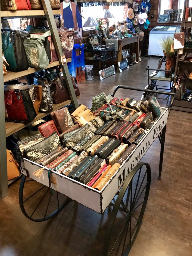 Buckboard Western Decor & Gifts: 502 Maple St, Chetopa, KS