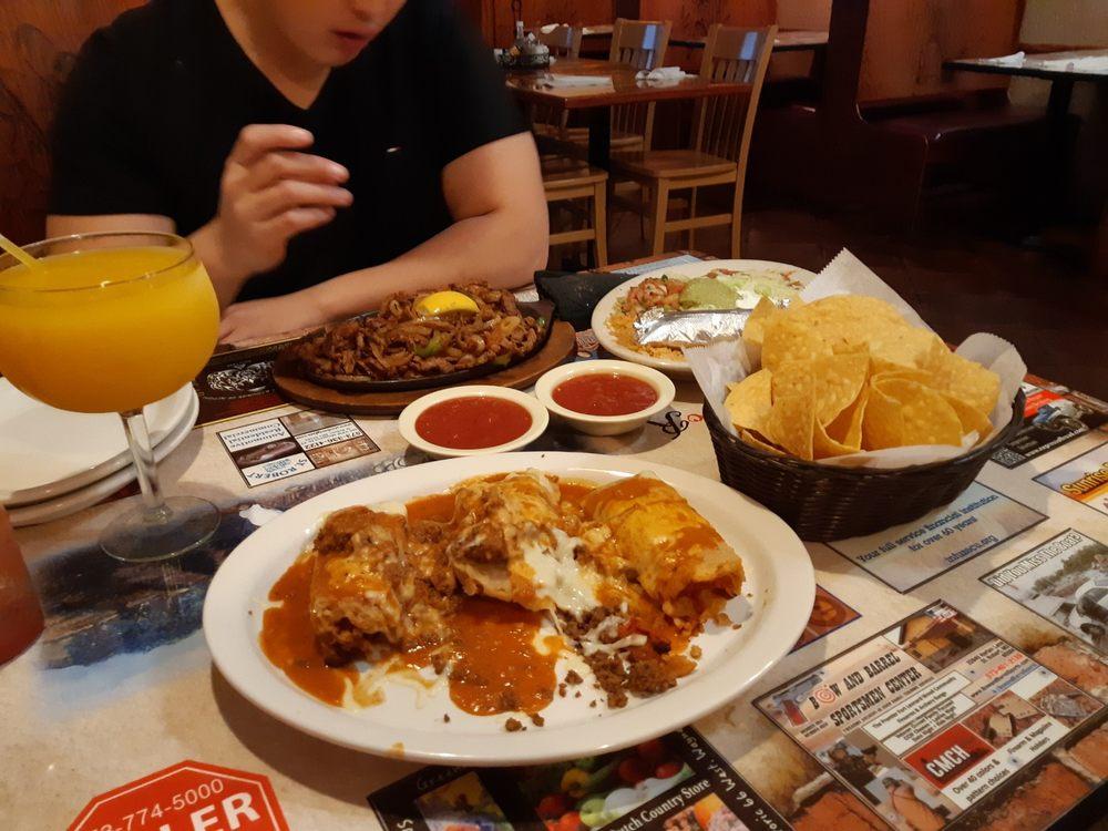 El Jimador Mexican Restaurant: 220 Marshall Dr, Saint Robert, MO