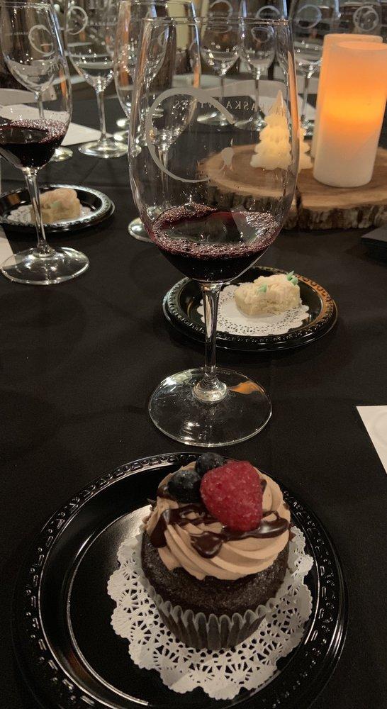 Chankaska Creek Ranch & Winery: 1179 E Pearl St, Kasota, MN
