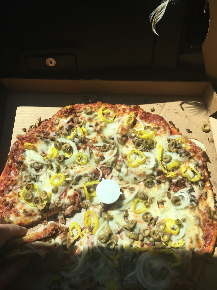 Giovannis Pizza: 522 E Main St, Grayson, KY