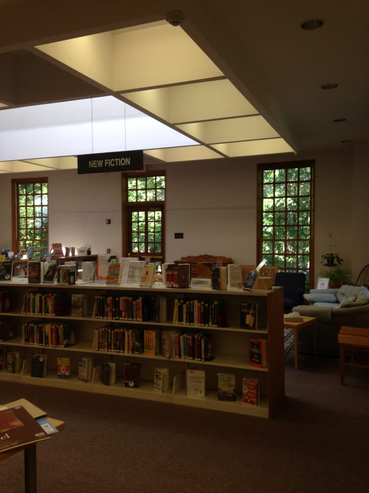 Dover Town Library: 56 Dedham St, Dover, MA