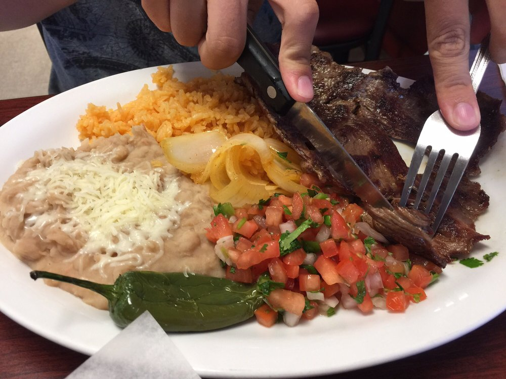 Los Compadres Meat Market: 2530 Pacific Blvd SE, Albany, OR