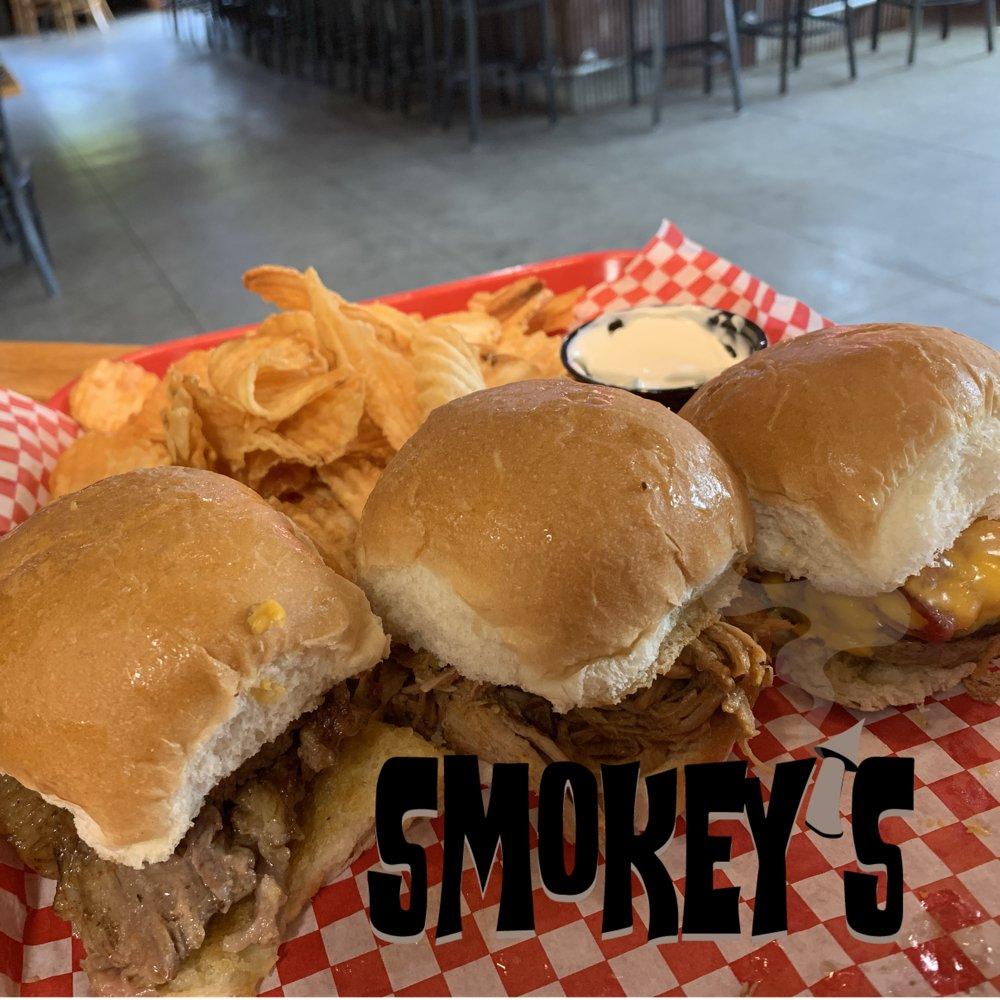 Smokey's Grille: 22392 255th St, Delhi, IA