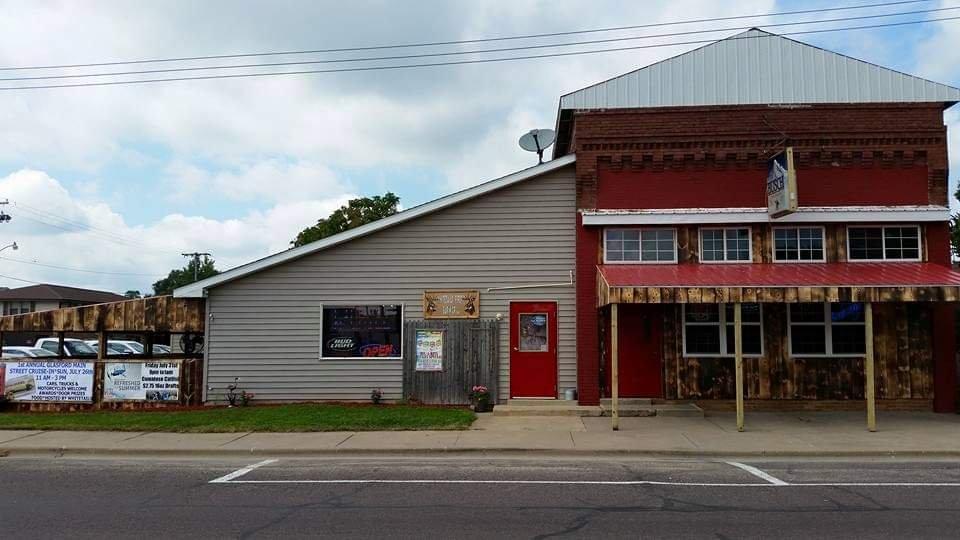 Whitetails Firepit & Grill: 304 E Main St, Glasford, IL