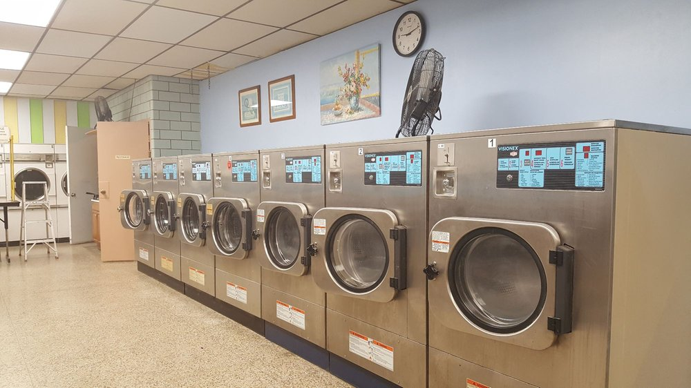 Plaza Laundry: 2420 Nameoki Rd, Granite City, IL