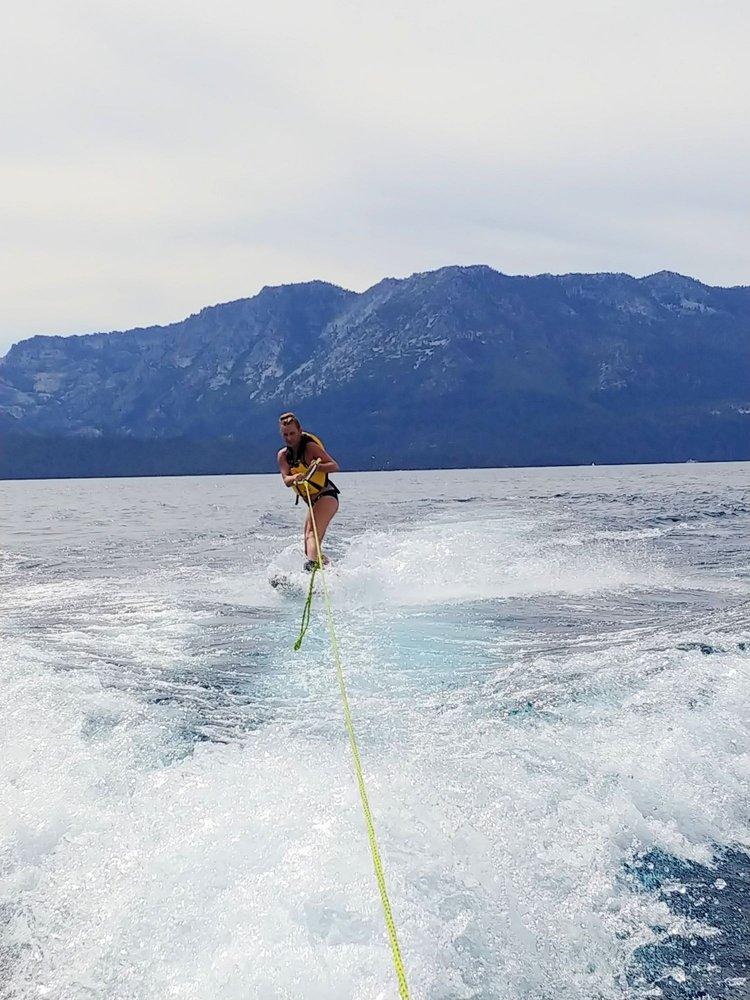 Tahoe Tessie Boat Rentals: Stateline, NV
