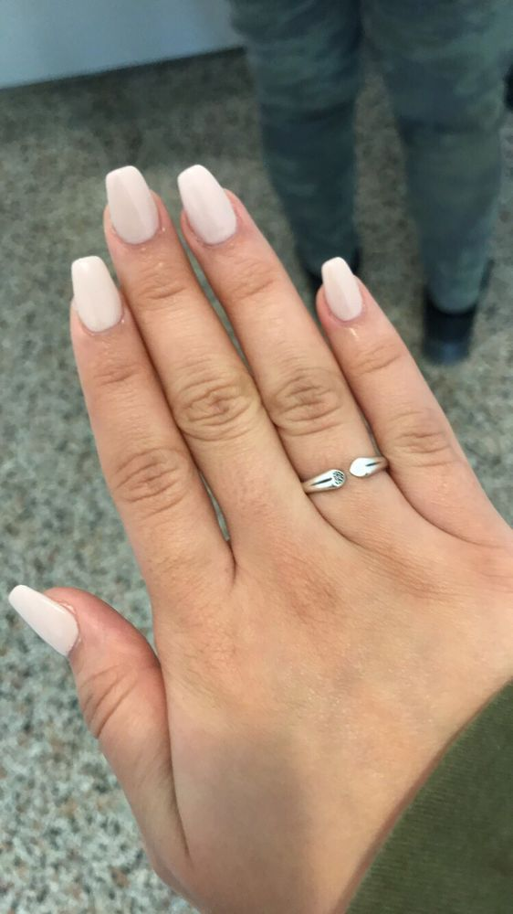 Ongles Pretty: 6435 Somerled Avenue, Montreal, QC