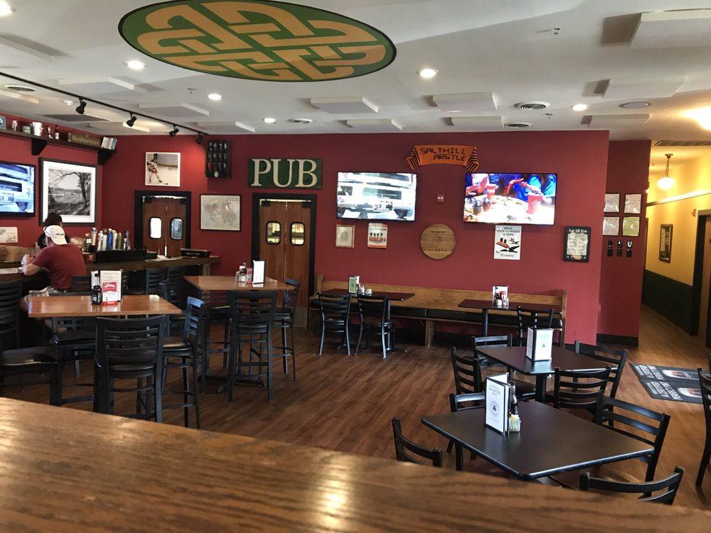 Salt Hill Pub: 5 Airport Rd, West Lebanon, NH