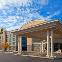 Photo Of Holiday Inn Express Suites Batavia Darien Lake Ny