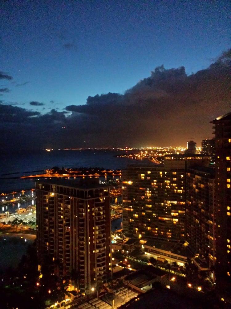 Hilton Hawaiian Village Waikiki Beach Photo Gallery: Tapa Tower 32nd Floor