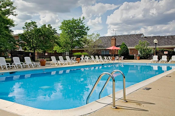 Lakehaven Apartments: 732 Bluff St, Carol Stream, IL