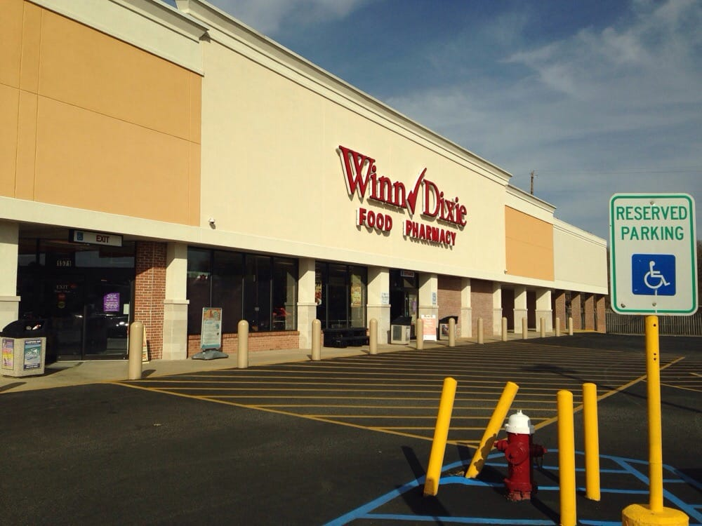 Winn-Dixie: 1571 Westgate Pkwy, Dothan, AL