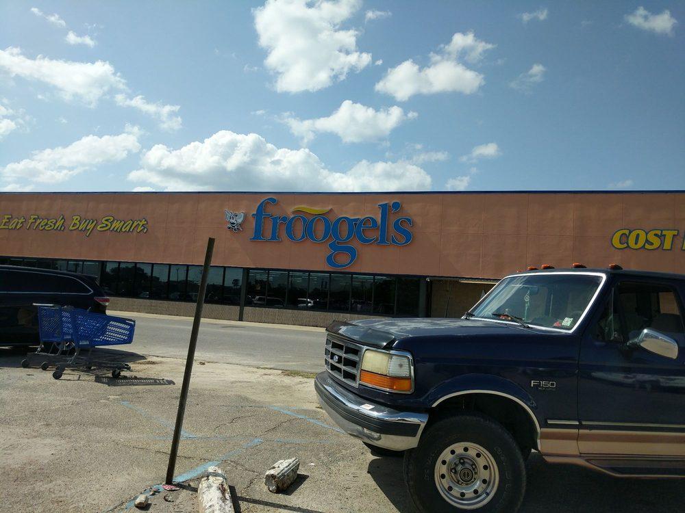 Froogel's: Hwy 90 Dunbar Ave, Bay Saint Louis, MS