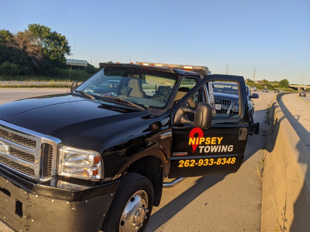 Towing business in Wauwatosa, WI