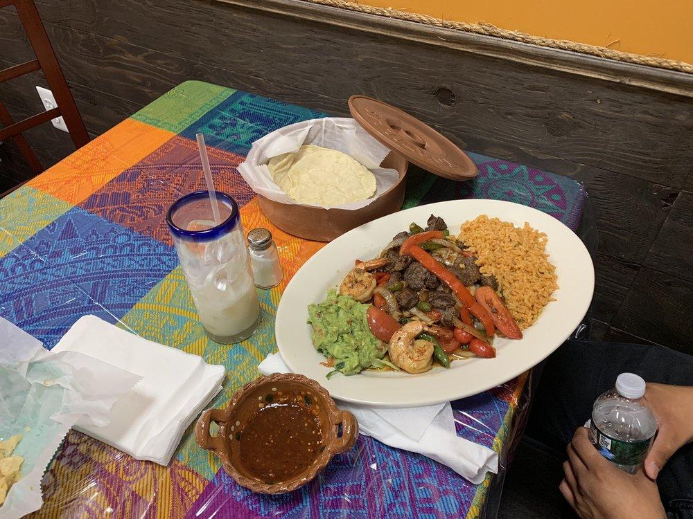 El Ranchero Mexican Restaurant: 950 Hooper Ave, Toms River, NJ