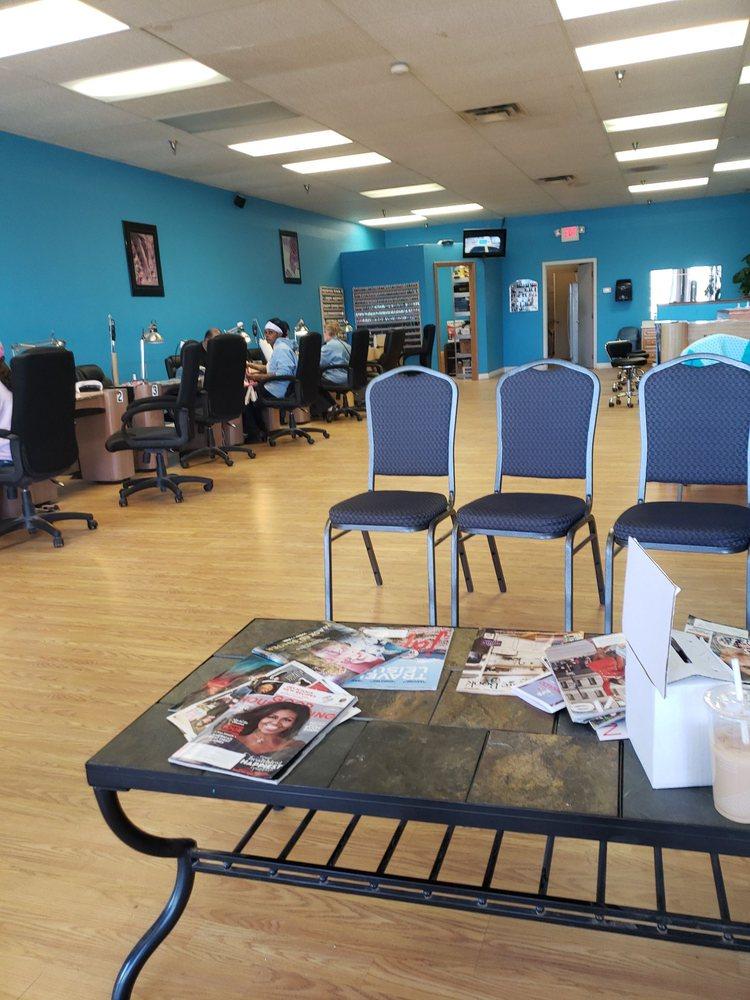 Le Nail Salon: 23525 US Hwy 23 S, Circleville, OH