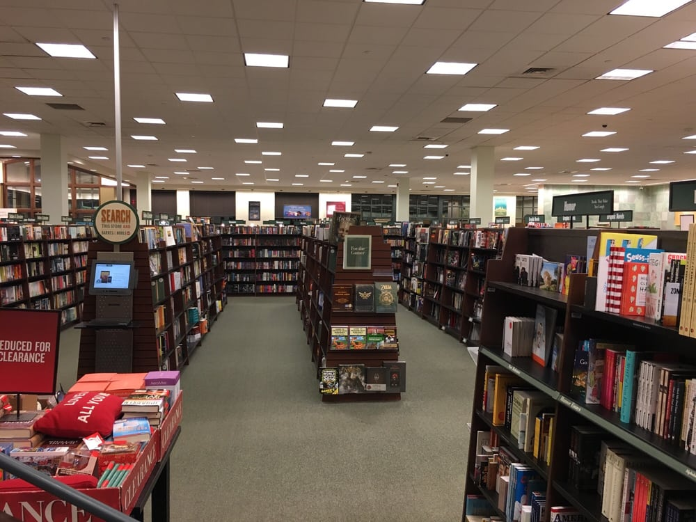 Barnes & Noble: 1741 S Willow St, Manchester, NH