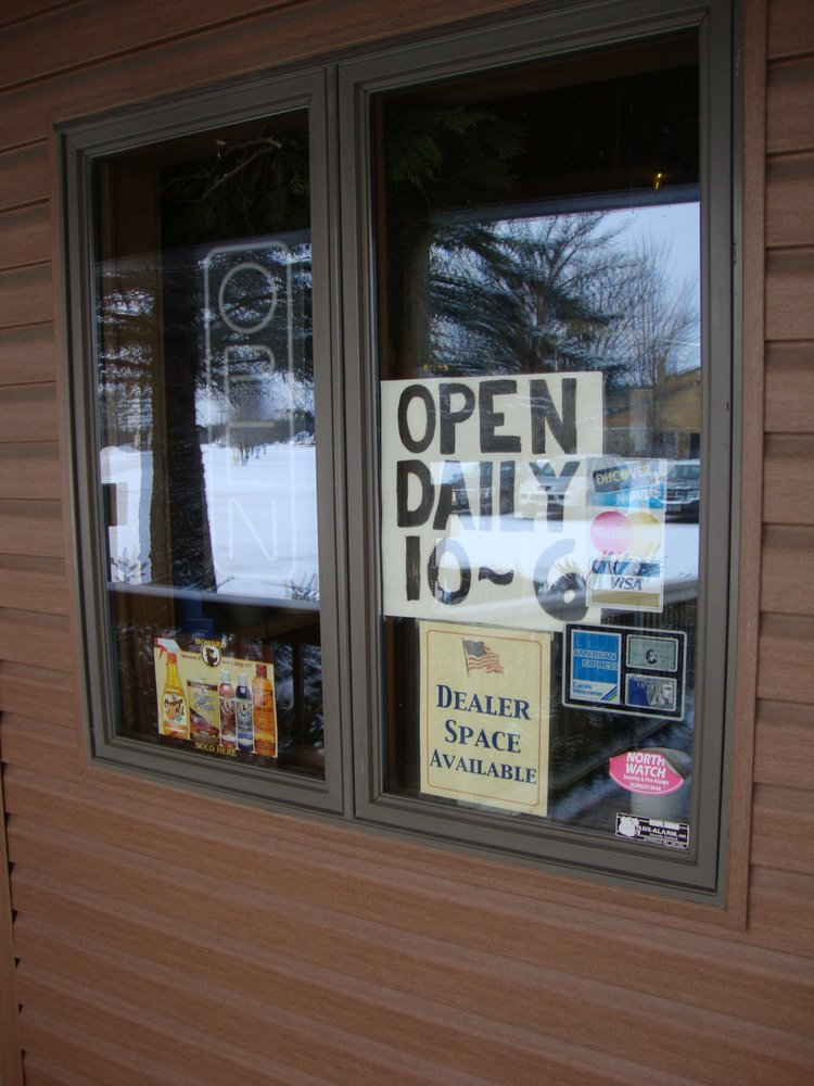 Antiques America MAal: 113 Weber Ave S, Hinckley, MN