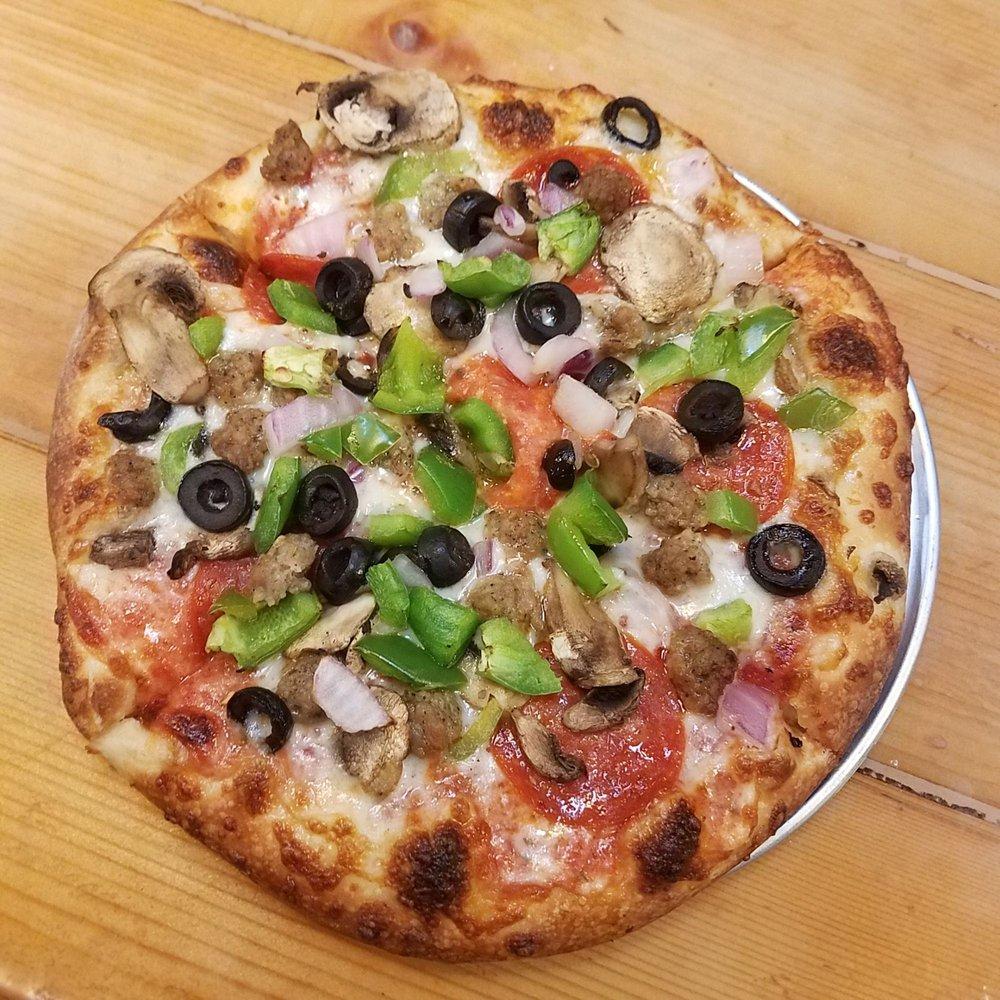 Red Baron Wings & Pizza: 125 Paseo Del Sol Ave, Lake Havasu City, AZ
