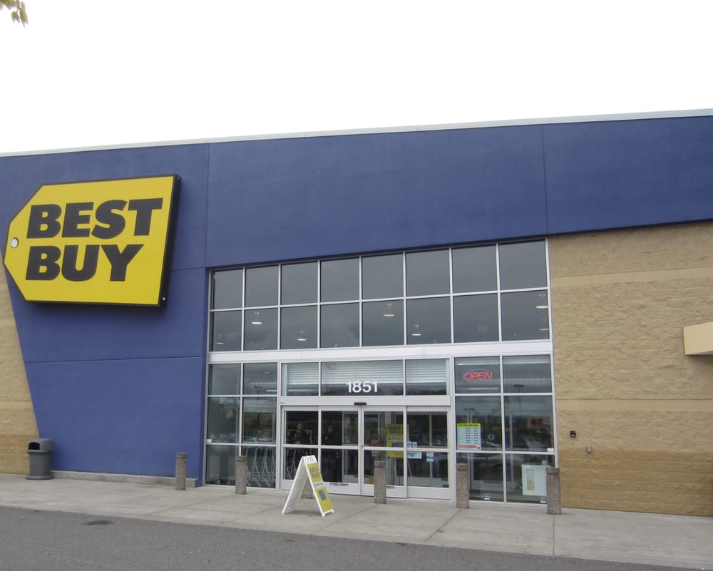 Best Buy offers mid-priced, assorted tech products. The 2 stores below sell products similar to Best Buy and have at least 1 location within 20 miles of Tempe Marketplace.