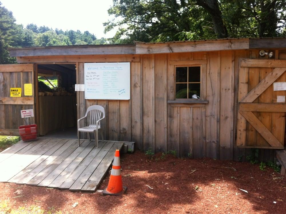 Mainstone Farm Stand: 103 Old Connecticut Path, Wayland, MA