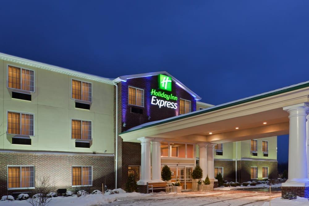 Holiday Inn Express & Suites Ashtabula-Geneva: 1831 Austinburg Rd, Austinburg, OH