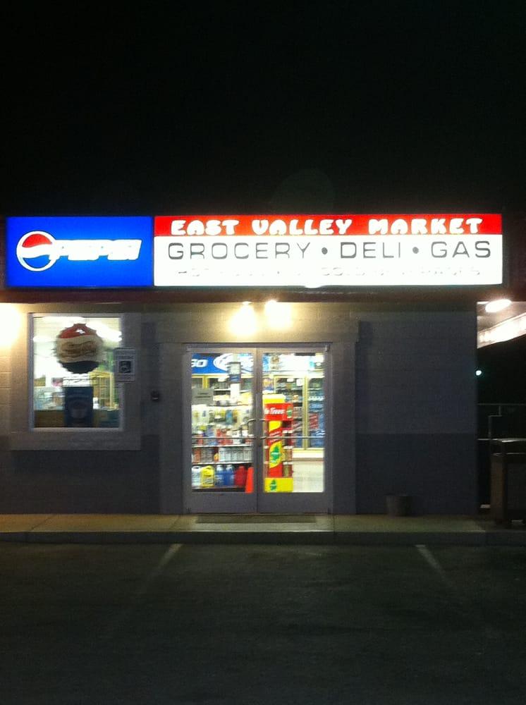 East Valley Market: 7208 Postma Rd, Yakima, WA