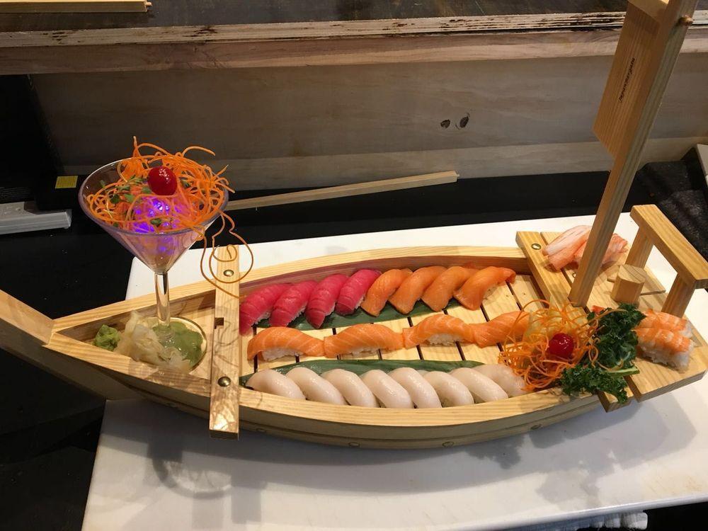 Kyoto Sushi: 696 Hwy 71 W, Bastrop, TX