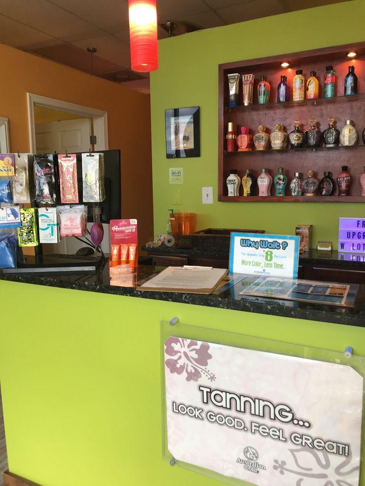 Sunbright Tanning Salon: 8224 Spruce St, Manassas, VA