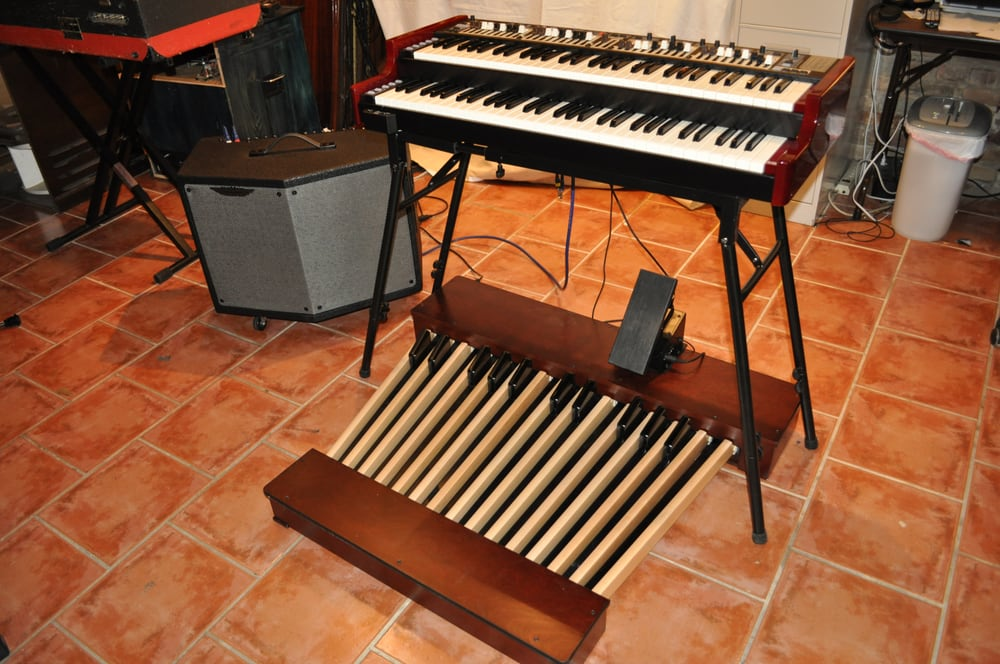 Portable Nord C2D with Hammond bass pedals and Motion Sound