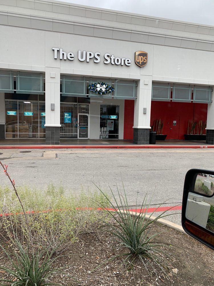 The UPS Store: 1707 1/2 Post Oak Blvd, Houston, TX