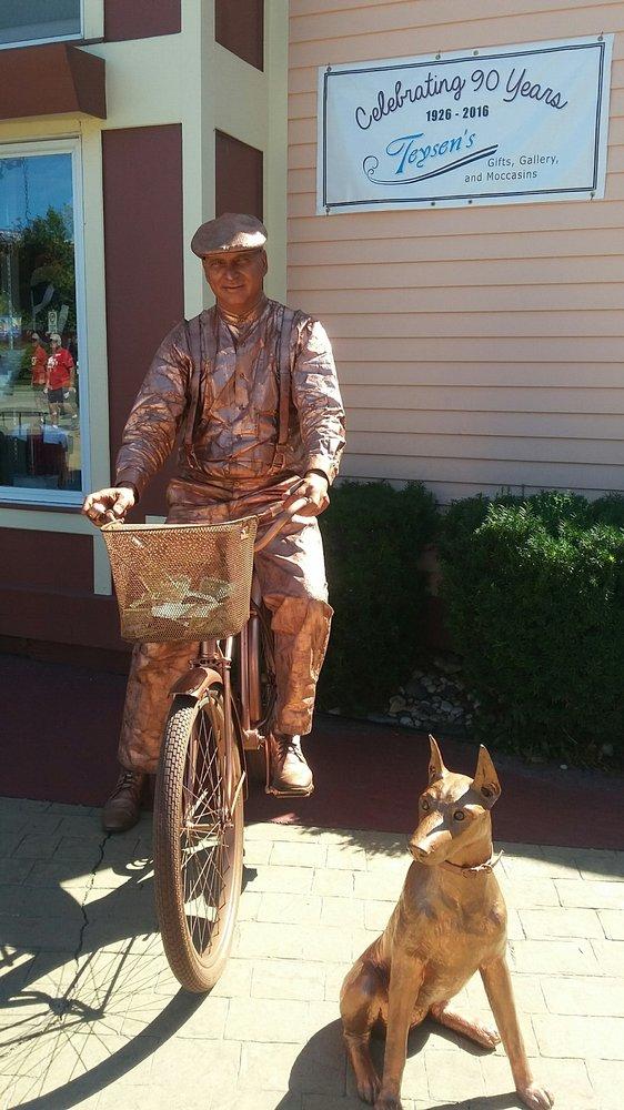 Mackinaw Crossings: 248 S Huron, Mackinaw City, MI