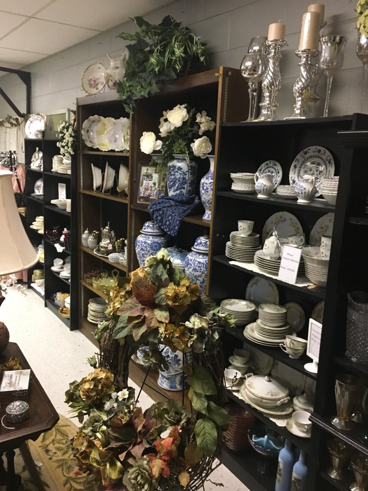 Shops On The Hill: 110 Comet Dr, Olive Hill, KY