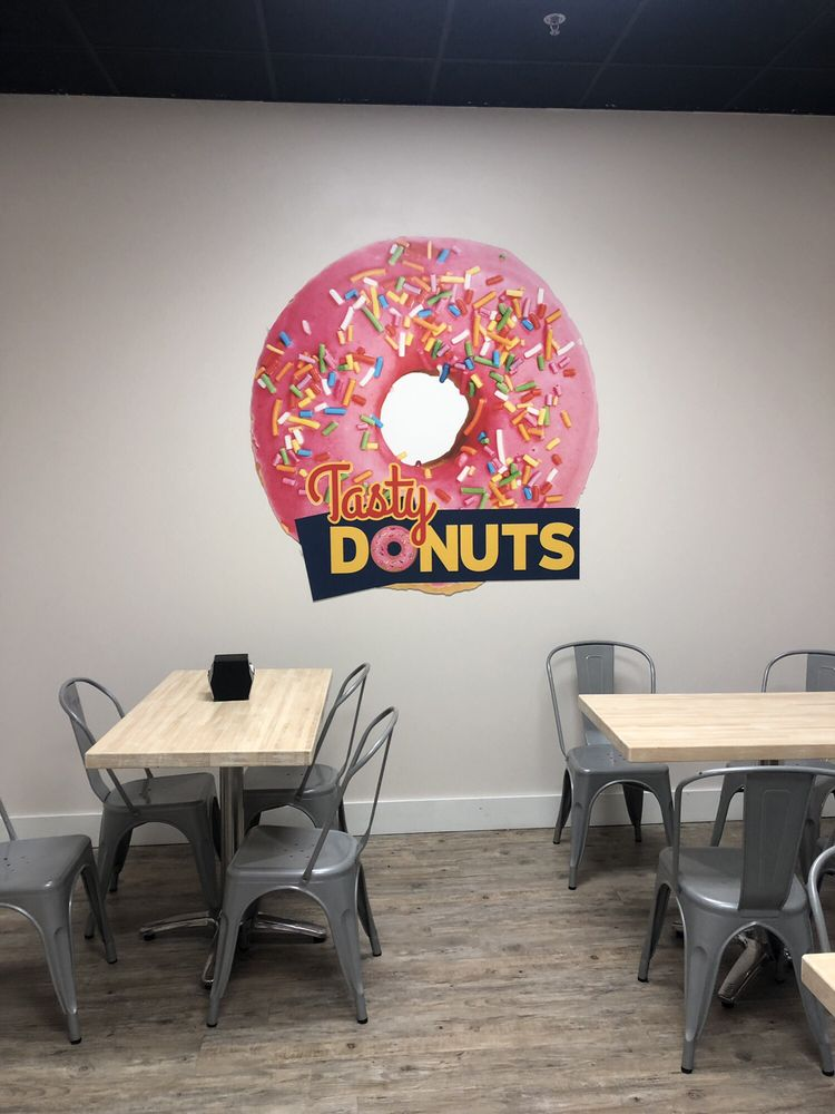 Tasty Donuts: 9448 Bradmore Ln, Ooltewah, TN