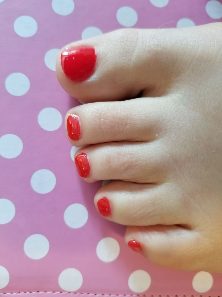 Londonderry Nail Salon Gift Cards - New Hampshire | Giftly