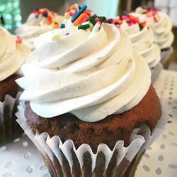 KoDee Cakes 25 Photos 14 Reviews Bakeries 1340 Smith Ave