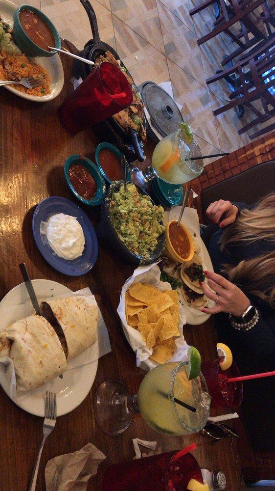Taqueria Mexicano Grille: 838 N Hwy 171, Mexia, TX