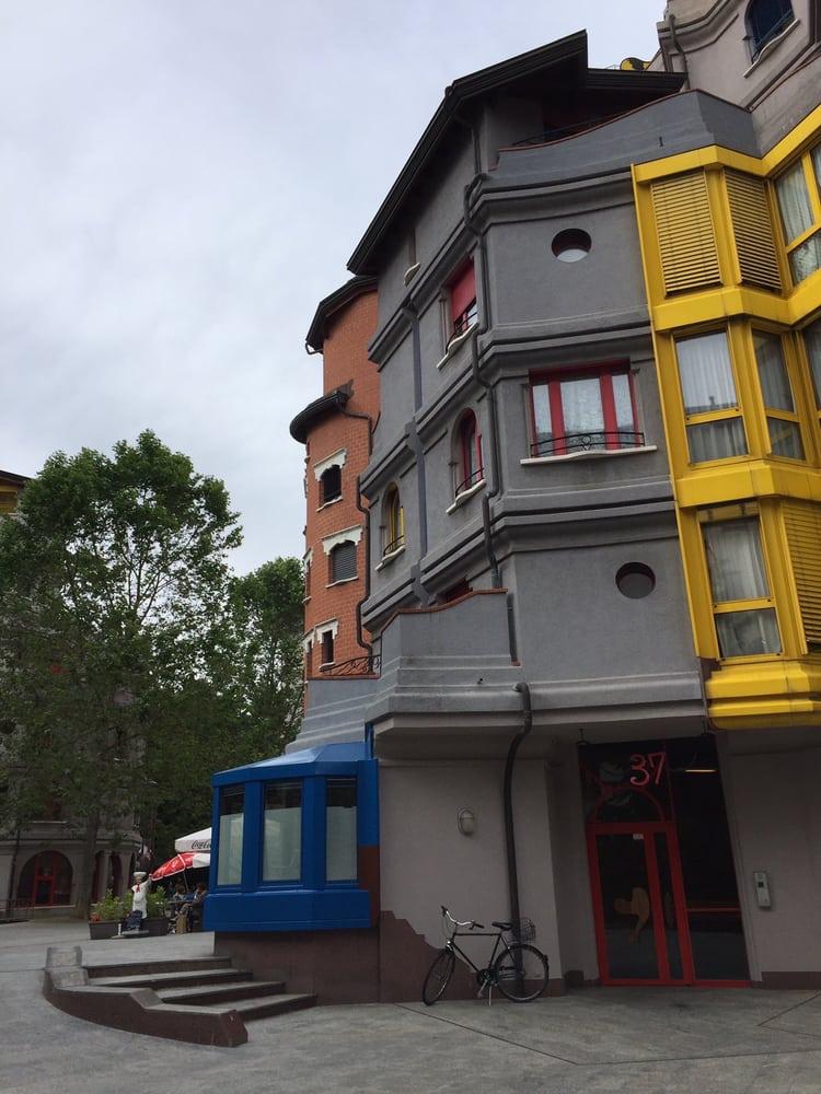 Photos pour la maison des schtroumpfs yelp for Pour la maison